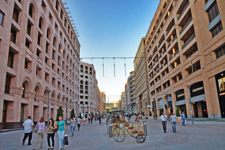 Цены на квартиры в Ереване в октябре повысились более чем на 11%